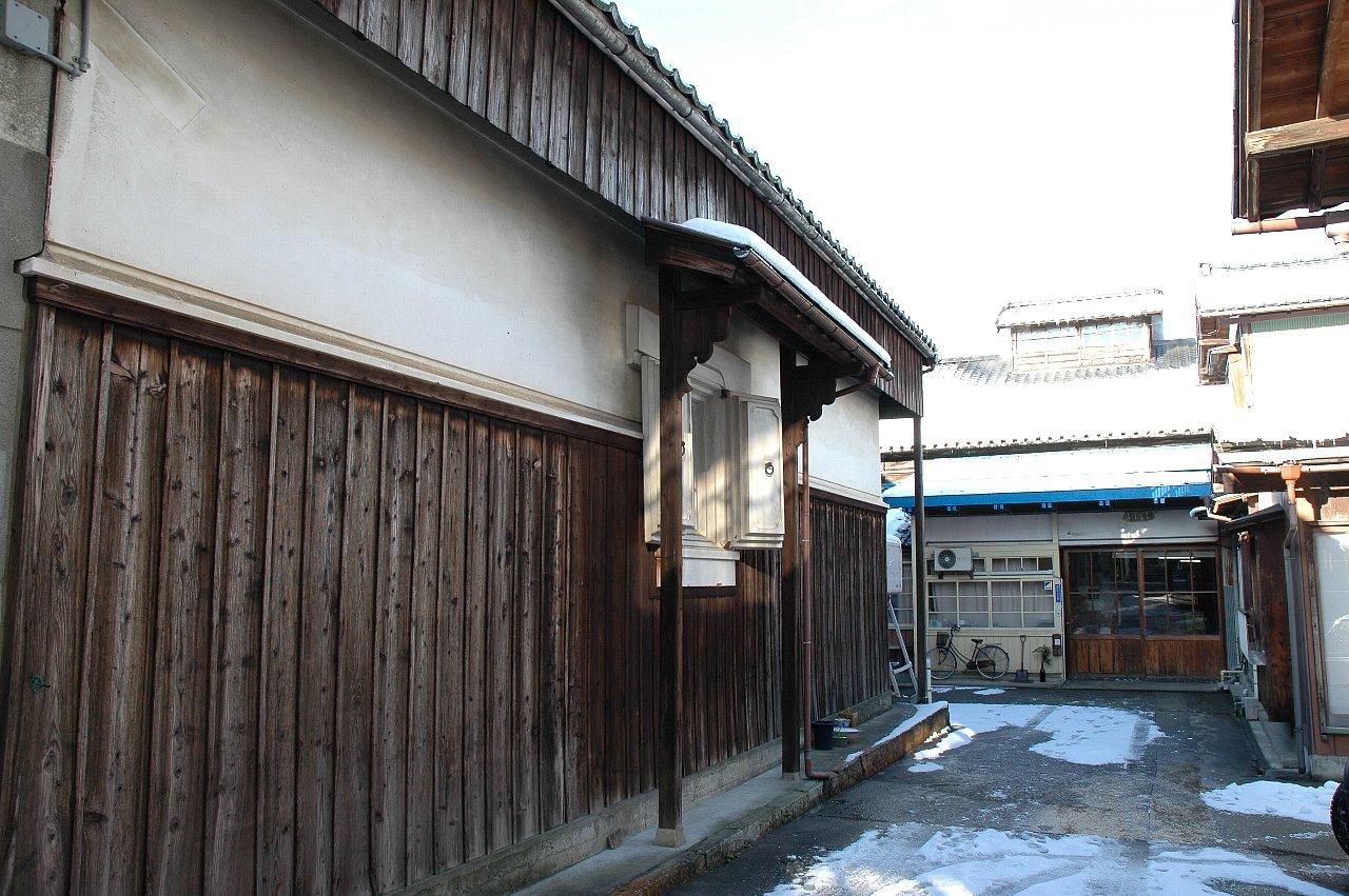アイキャッチ:水が日本酒の味わいを決める。江戸時代から続く「金鵄盃酒造」の …