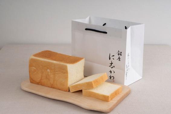 1斤で1本(税込864円)の食パン