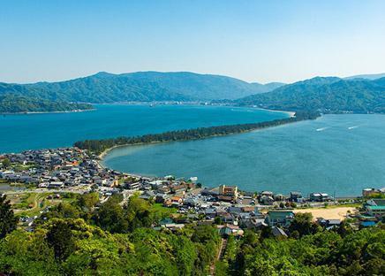 アイキャッチ:始まりは奈良時代。丹後織物工業組合が誇る、竹野川の水を生かし …