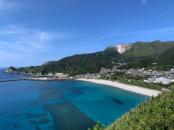 アイキャッチ:水配り神話が伝わる水に恵まれた島「神津島」の魅力に出会う