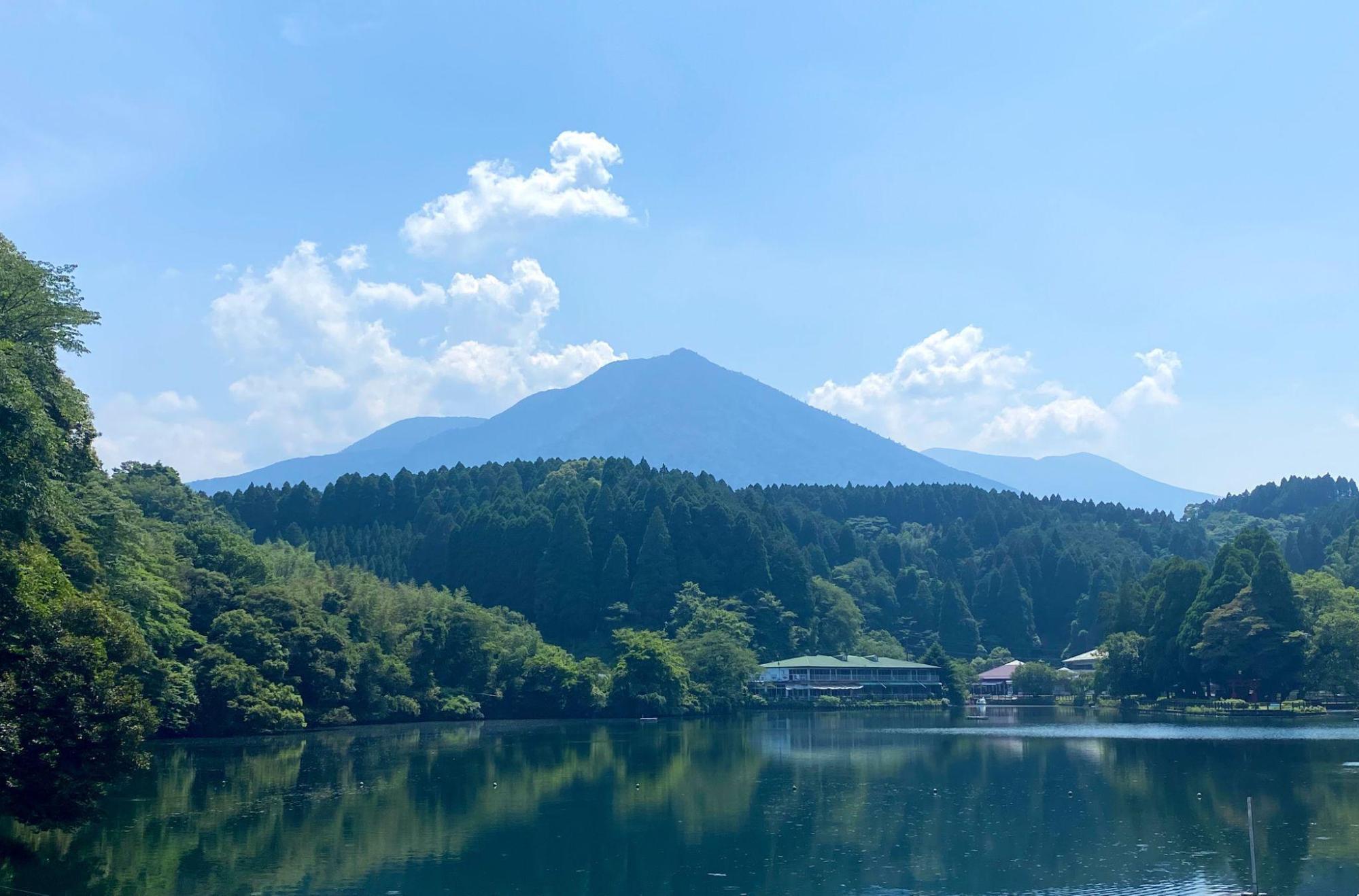 アイキャッチ:名水百選にも選出。ホタルにも愛される、宮崎県小林市・出の山公 …