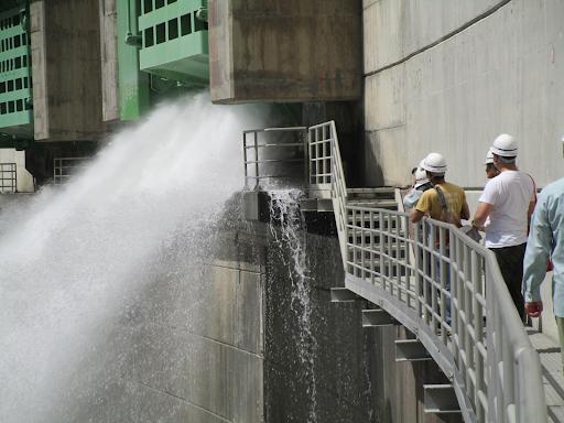 アイキャッチ:大雨時の「緊急放流」とは? 天竜川ダムの治水とダムツーリズム …